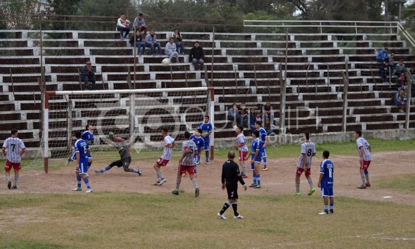 San Martín goleó a Cooperativa y pasó a la punta 6