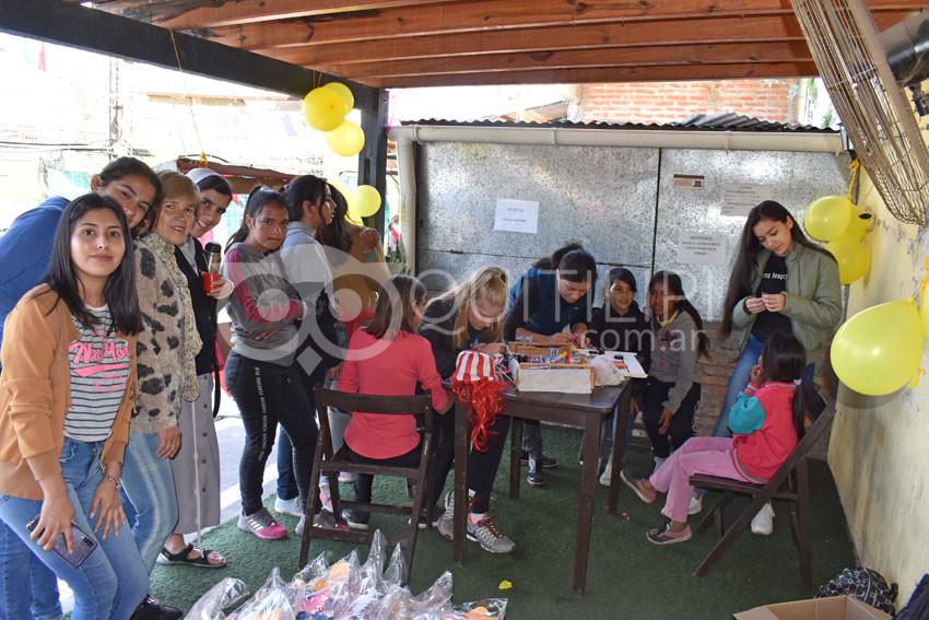 Brillante fiesta para los niños de la Casita del Sol Naciente 4