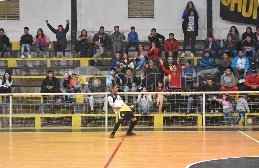 Sorpresas en los cuartos del Futsal 13