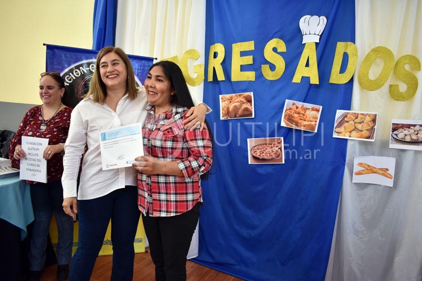La FQI entregó certificados a Maestros Panaderos 6