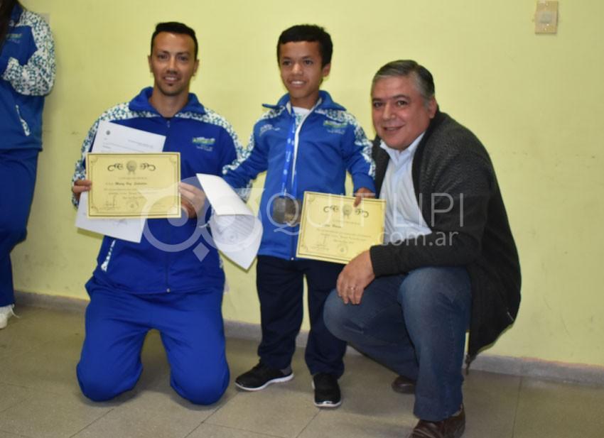 Concejales entregan reconocimiento a deportistas que participaron en los Juegos Evita 4