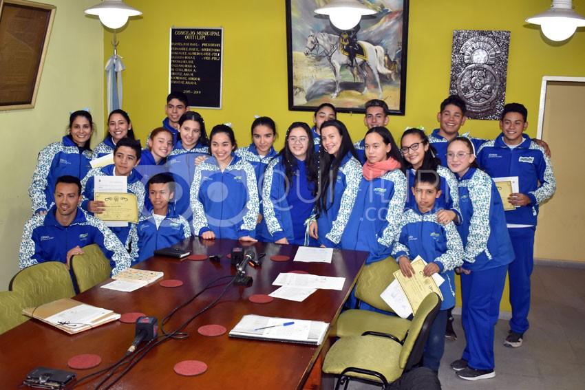 Concejales entregan reconocimiento a deportistas que participaron en los Juegos Evita 5