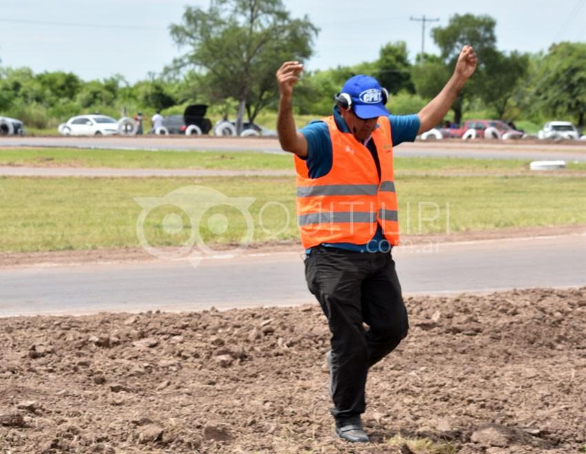 Una multitud presenció la fecha coronación del campeonato Provincial de Karting y motos 110 en piso de Tierra 27