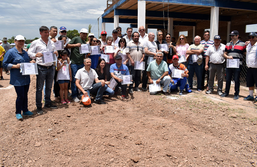 Una multitud presenció la fecha coronación del campeonato Provincial de Karting y motos 110 en piso de Tierra 17