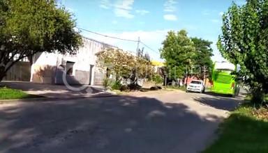 Denuncian circulación de micros en contramano, rotura de asfalto y ausencia de controles de tránsito 1
