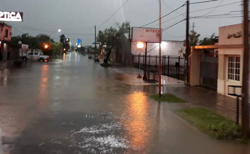 Ciento treinta milímetros dejó a Quitilipi bajo agua y sin corsos 19