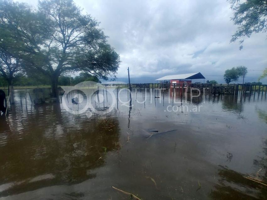 Ciento treinta milímetros dejó a Quitilipi bajo agua y sin corsos 21