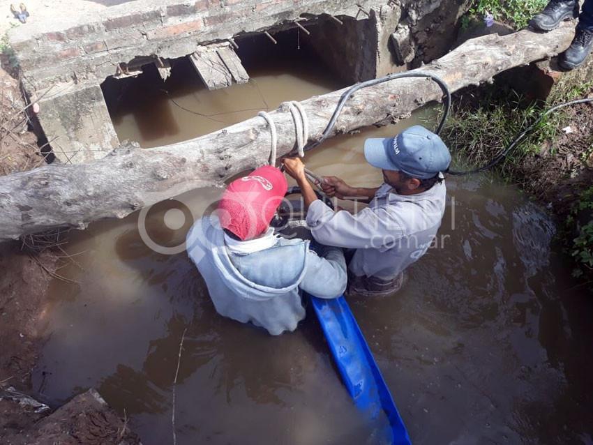 Arduo trabajo de APA y municipio para sacar el agua del casco urbano 8