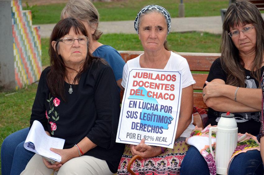 Jubilados autoconvocados demandan salario digno y  servicios de la Obra Social 14