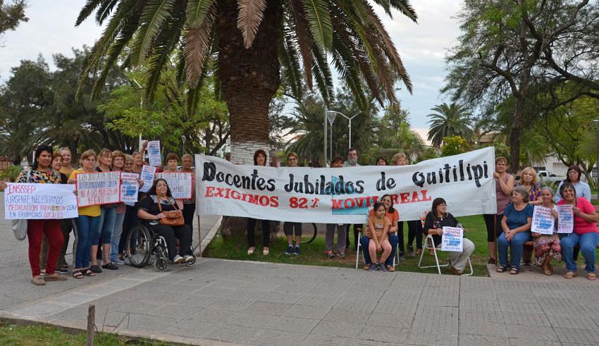 Jubilados autoconvocados demandan salario digno y  servicios de la Obra Social 12