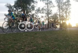 Encuentro provincial de escuelas de ciclismo en el óvalo de la liga 82