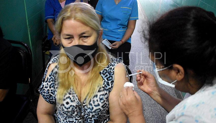 Aplican la segunda dosis de la vacuna Sputnik V en el Hospital de Quitilipi 3
