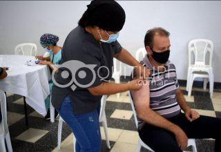 Continúa la vacunación a los docentes 15