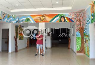Iriart llenó de colores el hall de ingreso al Centro Cultural 18